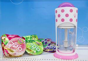UHA味覚糖などが開発したかき氷器「コロロおどるスイーツメーカー」