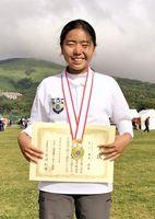 全日本小中学生アーチェリー選手権大会・小学生女子18メートルの部で初優勝した岡本莉央(神埼小6年、佐賀ジュニアク)=山梨県の山中湖交流プラザ