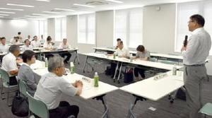 国の原子力災害対策指針を巡り開かれた、滋賀県の原子力防災専門会議=2日午前、大津市