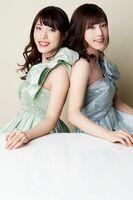 ピアニストの坂本リサさん(左)と坂本彩さん(提供写真)