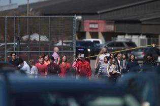 米、学校で6年女児が銃発砲