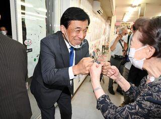 <多久市長選>24年の実績、信任 横尾さん「市民の心に響く行政に」
