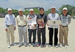 第15回立花地区GG大会 男子団体優勝の渚チーム
