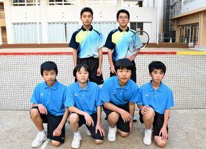 中学総体地区大会で個人、団体の優勝を目指す浜玉中男子ソフトテニス部