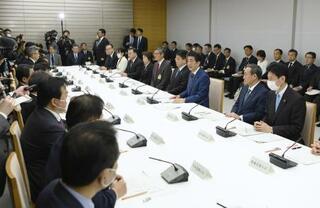 首相、出席閣僚の分散を検討