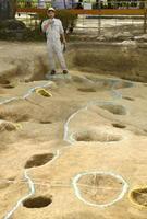 福岡県太宰府市の榎社境内で見つかった掘っ立て柱建物跡