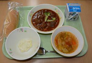 太良町の食材で調理したフランス料理版の「たら産うまかもん給食」