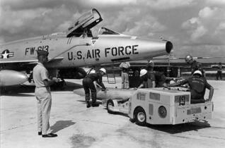 沖縄で核実弾訓練、半年150回