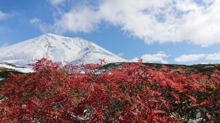 北海道の大雪山系旭岳で初冠雪