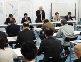 沖縄での豚コレラ発生を受け、関係部署に初動対応の確認を求めた佐賀県の庁内連絡会議=県庁