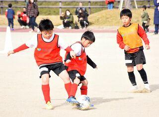 【動画】サガン鳥栖コーチが指導 サッカー教室に小学生130人