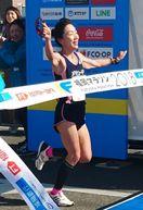吉冨博子選手 福岡マラソンで大会新V
