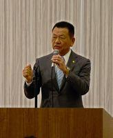 「JAに集い、JAへの運営参画をすすめよう」をテーマに講演する講師の原田晴男さん=佐賀市のガーデンテラス佐賀
