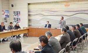 タイラギの6季連続休漁を決めた佐賀、福岡両県の潜水器漁業者による会議=佐賀市の県有明海漁協