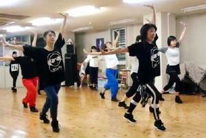 人気ダンスインストラクターChioさんのレッスン風景=佐賀市のスタジオ風のたね