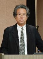 講演する西村幸夫・東京大学大学院教授=佐賀市の佐賀大学本庄キャンパス