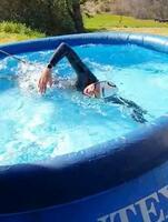 ユニークな練習の様子を投稿した水泳オープンウオーターのシャロン・ファンラウエンダール(本人のフェイスブックから)