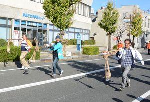 白熱したレースを展開したアリタンピック=有田町本町