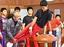 体操の基本しっかりと 田中3きょうだいの父・章二さん指導