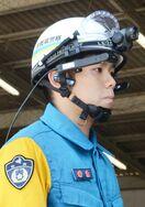 眼鏡型端末で人命救助 佐賀県警、オプティムと連携