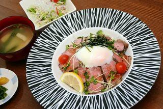 MIYATSU382の「ローストビーフ丼」