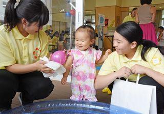 保育士目指す西九州短大生が「夏祭り」遊び提案