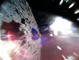 小型ロボが小惑星りゅうぐう着陸