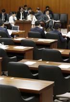 野党反発、国会審議を拒否