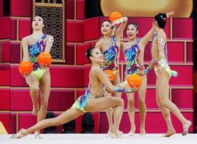 新体操、日本が種目別ボールで金