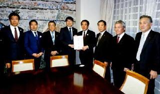 九州新幹線長崎ルート、22年度開業順守を