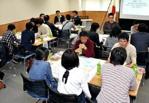 憲法改正について議論した日本青年会議所佐賀のイベント=佐賀市の市民活動プラザ