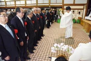 山口知事ら佐賀県関係者が参列した顕彰祭=札幌市中央区の北海道神宮参集殿