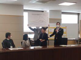 県執行部が集まって開かれた対策本部会議=5日午前、佐賀県庁