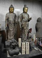 特別御開帳された「大黒天」や「十一面観音菩薩」など=21日午前、吉野ヶ里町田手の東妙寺