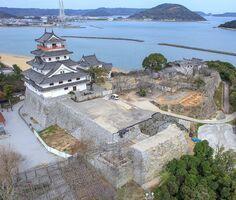 唐津市史跡に指定された唐津城跡(2019年3月、唐津市教育委員会提供)