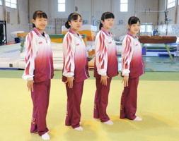 左から、橋本愛彩、安藤彩夏、山﨑桜、川嶋彩花(撮影・大嶌郁海)