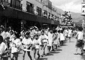 山笠見物に多くの人で賑わった中心市街地(提供写真)