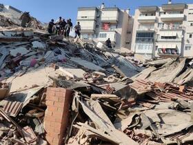 トルコ沖で地震、30人死亡
