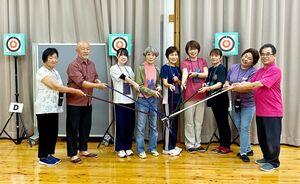 武雄市レクリエーション協会吹矢大会の参加者