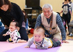 2015年11月に佐賀市で開いたハイハイよちよちレース