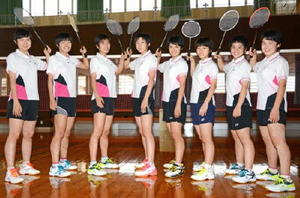 九州大会で団体準優勝を果たした佐賀女子のメンバー