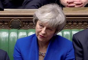 英下院、内閣不信任案否決