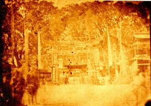 1867年、佐賀市新馬場から松原神社を望む=公益財団法人鍋島報效会所蔵(画像を加工し鮮明にした)