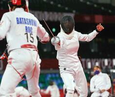 女子 フェンシングのランキングラウンドに出場した高宮なつ美(右)=武蔵野の森総合スポーツプラザ