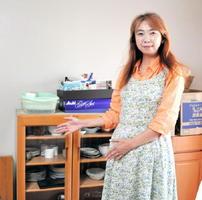 熊本地震を受け、佐賀で避難生活を送る福永富珠子さん。「佐賀市の職員さんに食器棚などを集めてきてもらい助かった」と振り返った=佐賀市川副町