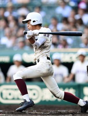全国高校野球 7回 鈴木、意地の適時打