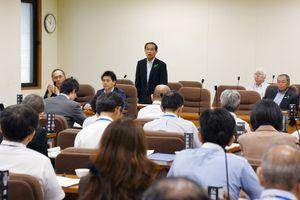 佐賀空港へのオスプレイ配備計画について質疑をした佐賀県議会総務常任委員会=県議会棟