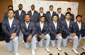 リオ五輪を終え帰国したラグビー7人制男子の日本代表=14日午後、成田空港