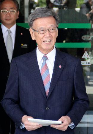 翁長沖縄知事、膵がんと診断