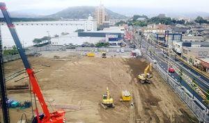 旧店舗解体後、造成が進む「スーパーセンタートライアル唐津店」建設地=唐津市栄町